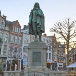 Johan-De-Witt-statue-monument-on-De-Plaats-in-The-Hague-Netherlands