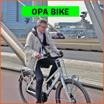 Dutch grandpa bikes (opafietsen) in Rotterdam